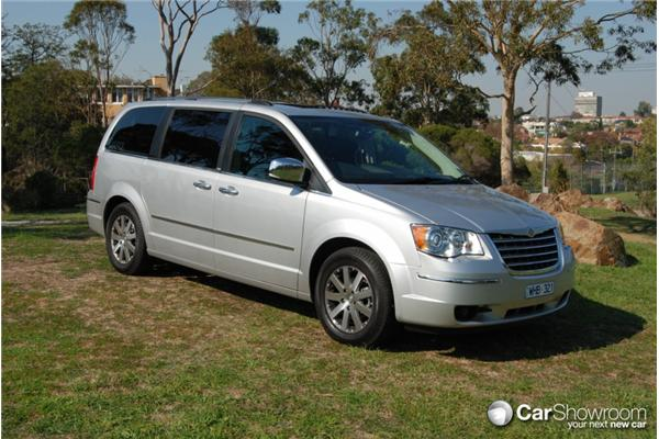 chrysler grand voyager 2011 review