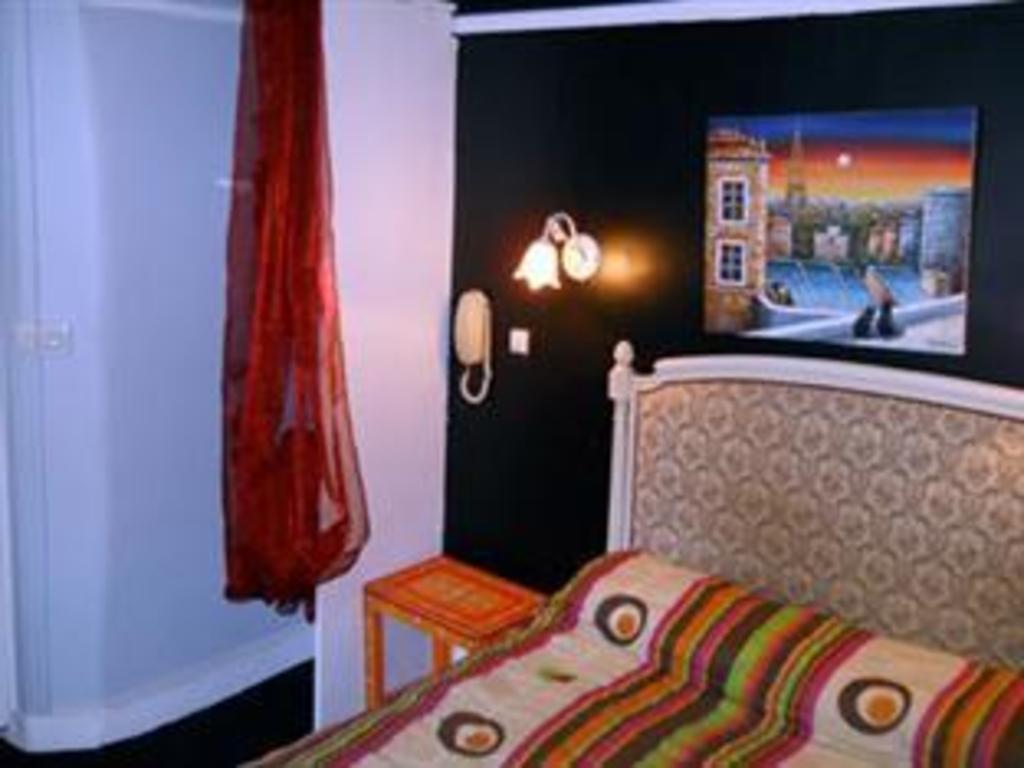 hotel de lille louvre paris reviews